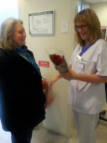 S-kvinnor uppvaktar vårdc.